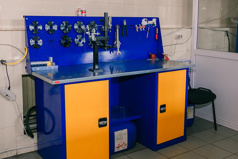 Рабочее место мастера по ремонту топливной аппаратуры